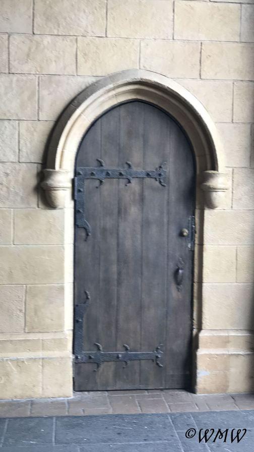 castledoor2